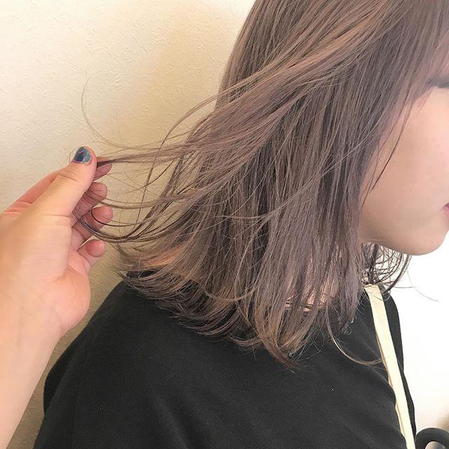 担当シオリ @shiori_tomii 色落ちを考慮したラベンダーベージュ#abond#shiori_hair #ラベンダーベージュ#高崎