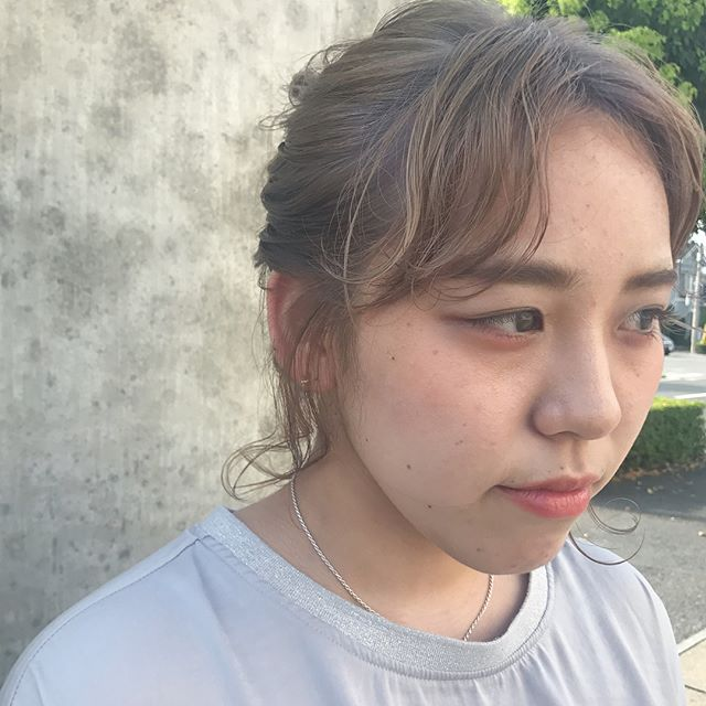 担当シオリ @shiori_tomii 赤みがでないように透明感のあるアッシュベージュに!#abond#shiori_hair #haircolor#アッシュベージュ