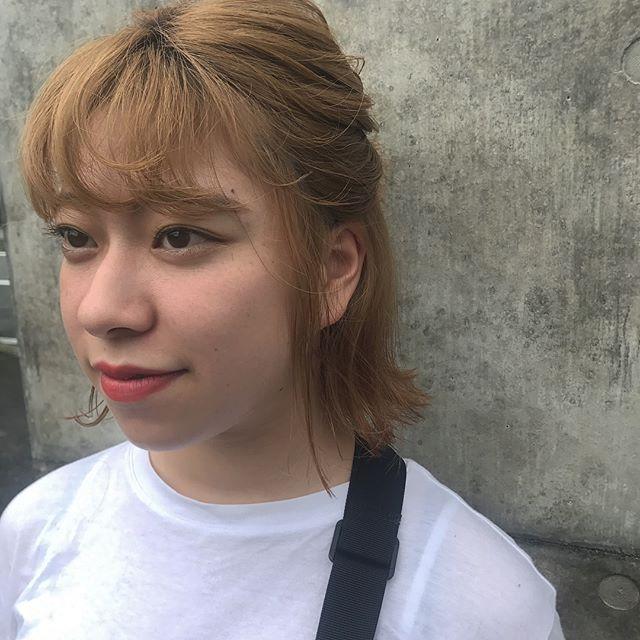 担当シオリ @shiori_tomii 切りっぱなしbobはやっぱりラフにハーフアップがかわいい♡#abond#shiori_hair #高崎