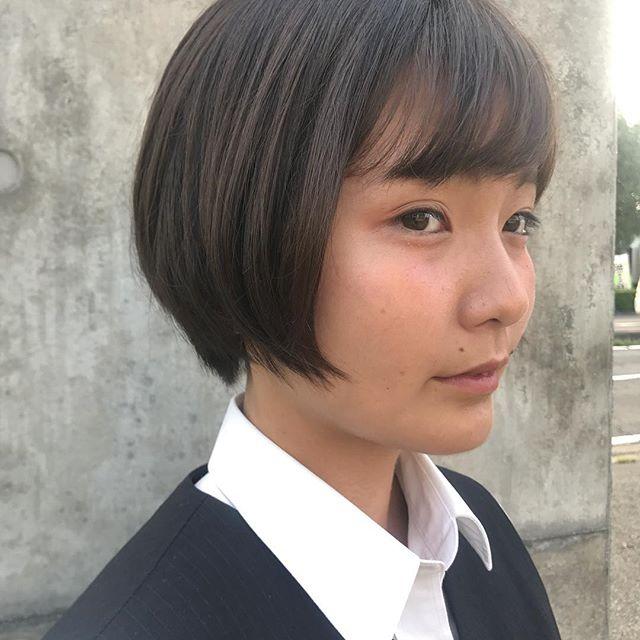 担当シオリ @shiori_tomii 高校生カットは¥3500円の税です♡ぜひかわいくなりにいらしてください♡#abond#shiori_hair #高崎