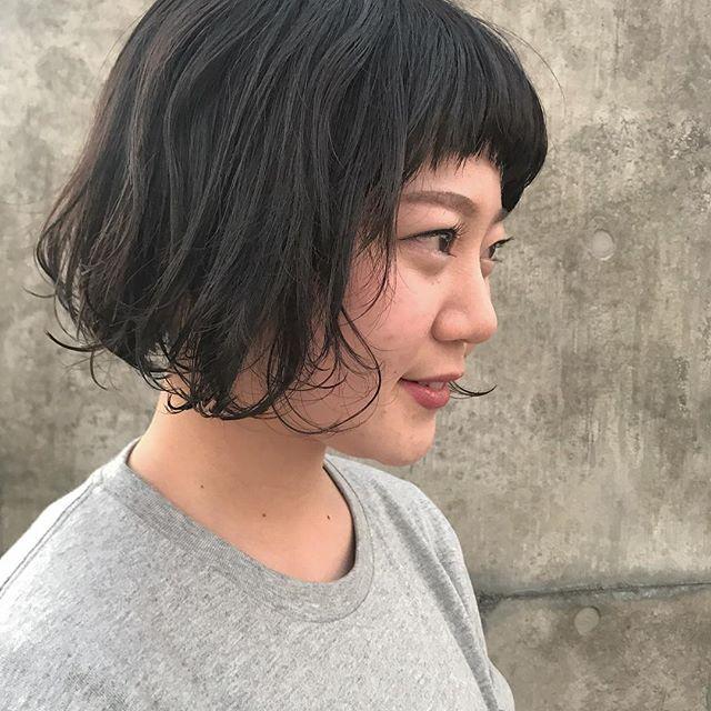 担当シオリ @shiori_tomii いつも遠くから来てくれて感謝です♡ありがとう♡#abond #shiori_hair #bob