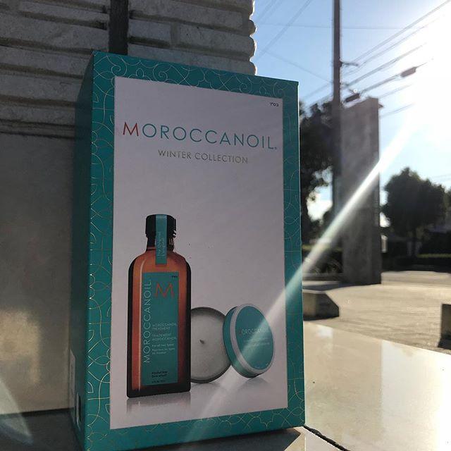 今だけモロッカンオイルにモロッカンのキャンドルがついてくるギフトBOXご用意してあります!お値段そのままでこのキャンドルがついてくるなんてお得すぎますgiftや自分用にもおすすめです部屋中あまいバニラのいい匂いに。。 期間限定なのでこの機会にぜひ手に入れてくださいね♡#abond #moroccanoil #モロッカンオイル#ギフトセット