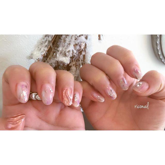 オフ(10本)ありでも70minほどで完成お時間に制限のあるお客様は事前にご相談ください♡時間内に仕上げます!#riconail #abond #nail #nails #gelnail #gelnails #nailart #instanails #nailstagram #beauty #fashion #nuancenail #pink #ネイル #ジェルネイル #ネイルデザイン #ニュアンスネイル #ミラーネイル #ショートネイル @riconail123