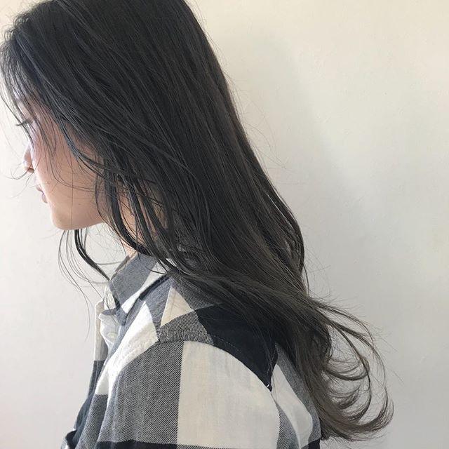 担当シオリ @shiori_tomii グレージュのグラデーションカラー🦕#abond #shiori_hair #グレージュ#グラデーション#高崎美容室