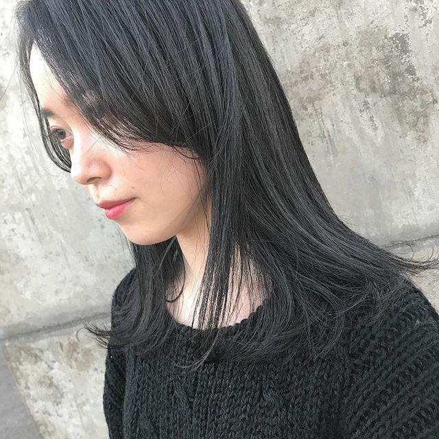 担当シオリ @shiori_tomii カーキグレージュでトーンダウン🐋🐋#abond #shiori_hair #カーキグレージュ#高崎美容室