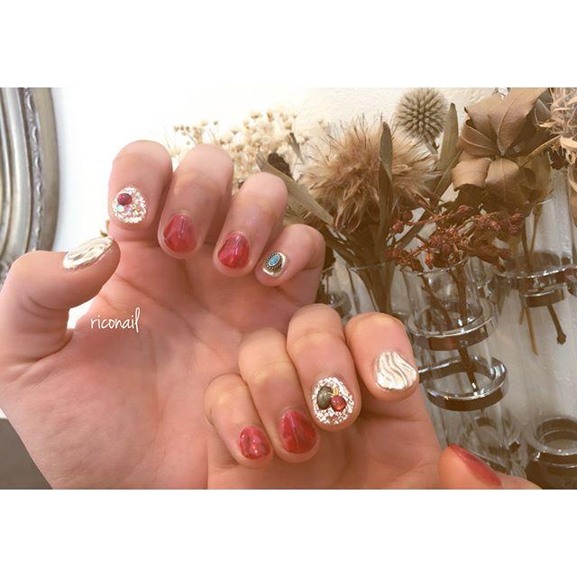 新成人のみなさん おめでとうございます!今年もネイルというかたちで たくさんのお客様のお支度に関わることができて嬉しかったデス♡#riconail #HEARTY #abond #nail #nails #gelnail #gelnails #nailart #instanails #nailstagram #beauty #fashion #nuancenail #ネイル #ジェルネイル #ネイルデザイン #ニュアンスネイル #ショートネイル #成人式ネイル #成人式 #ネイルチップ @riconail123