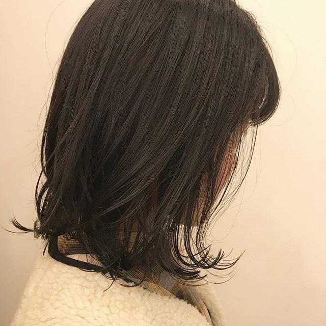 担当シオリ @shiori_tomii 暗めなグレージュ🦕🦕🦕#abond #shiori_hair #グレージュ#高崎美容室