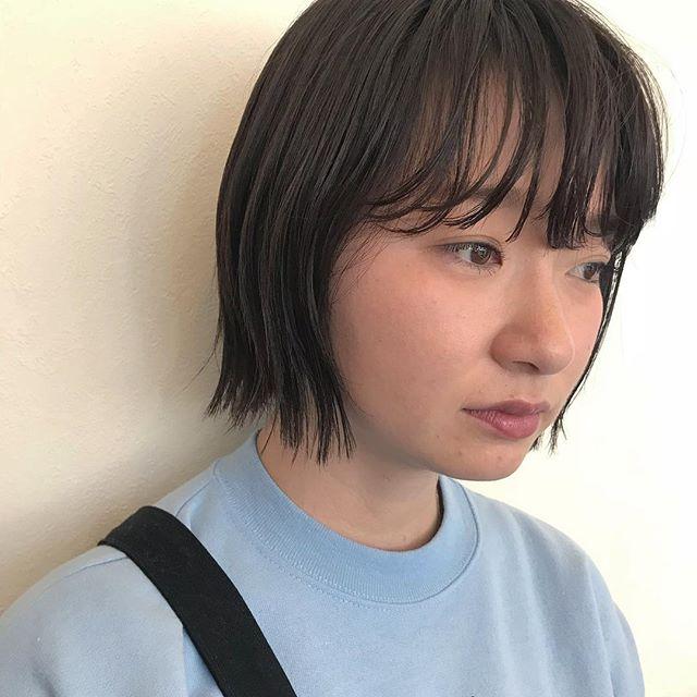 担当シオリ @shiori_tomii 毛先のプツっとした質感がかわいい切りっぱなしBOB🐋🐋#abond #shiori_hair #切りっぱなしボブ #bob#高崎美容室