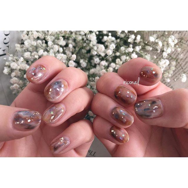 シアーなダークカラーを混ぜ混ぜ♩#riconail #HEARTY #abond #nail #nails #gelnail #gelnails #nailart #instanails #nailstagram #beauty #fashion #nuancenail #brown #ネイル #ジェルネイル #ネイルデザイン #ニュアンスネイル #ショートネイル #シアーネイル @riconail123