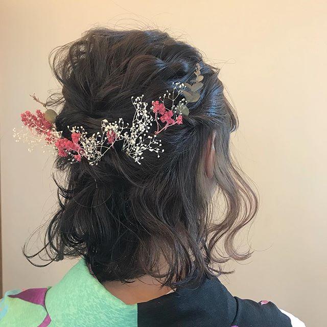 担当シオリ @shiori_tomii 本日早朝セットからスタートしてます♡ハーフアップでゆるっとアップにおめでとう#abond #shiori_hair #hairset#卒業式ヘア #ヘアセット#ハーフアップ#高崎美容室