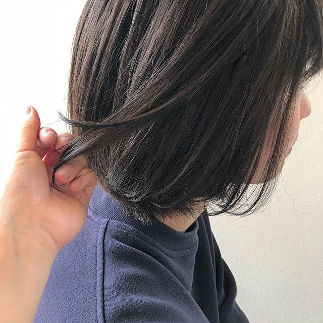 担当シオリ @shiori_tomii ムラムラハイライトでトーンアップ🐋#abond#shiori_hair #ハイライト#アッシュベージュ#高崎美容室