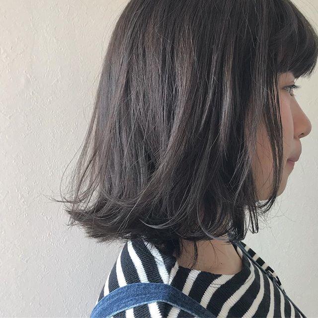 担当シオリ @shiori_tomii 抜けきった金髪に持ちがなるべく良くなるように配合したグレージュカラー🧚♀️#abond #shiori_hair #グレージュ#高崎美容室