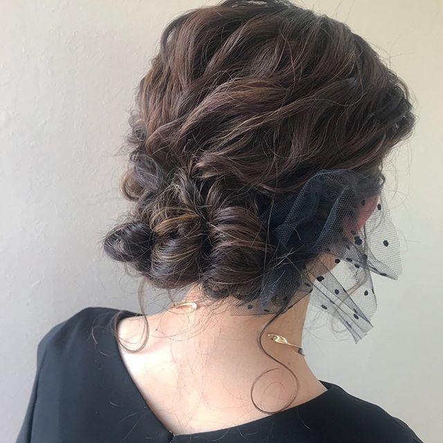 担当シオリ @shiori_tomii 大人っぽくゆるっとアップスタイルに🦋4/1からはHEARTY @hearty__s に移動しますのでご予約はそちらからお願いします♡#abond #shiori_hair #ヘアセット#結婚式ヘア#高崎美容室