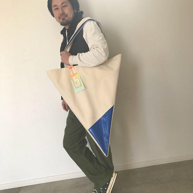 HEARTY @hearty__s でおもしろい展示が始まりました!その中でも塚越一押しのこのバッグ!HEARTYで販売もしてます♡展示を見に来ていただくだけでももちろん大歓迎ですので気軽にいらしてくださいね♡#hearty#abond#あしがサイダー#ウキアシダクツ
