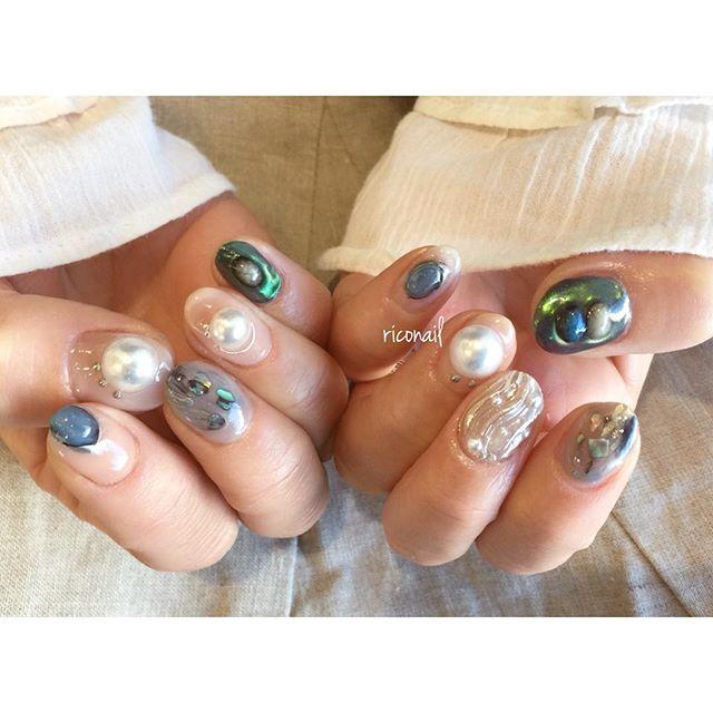 my nail.凸凹アートがマイブーム。#riconail #nail #nails #gelnail #gelnails #nailart #instanails #nailstagram #silver #pearl #beauty #fashion #nuancenail #ネイル #ジェルネイル #ネイルデザイン #ミラーネイル #オーロラネイル #ニュアンスネイル #ショートネイル #シアーネイル