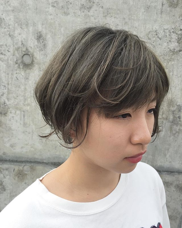 stylist:塚越ブリーチからライムグレー夏に向けてハイトーンのお客様が増えてます︎#abond#高崎#グレー#カラー#美容室