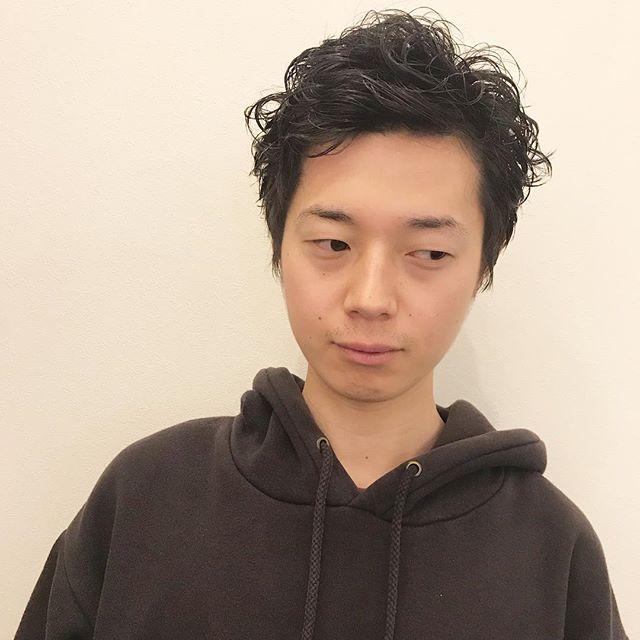 ショートでもパーマいけますワンカールを重ねて動きのあるショートに担当:杉田使用スタイリング剤:ニゼルジェリー H#高崎#高崎美容室#メンズ#メンズヘア#パーマ#ベリーショート#ショート