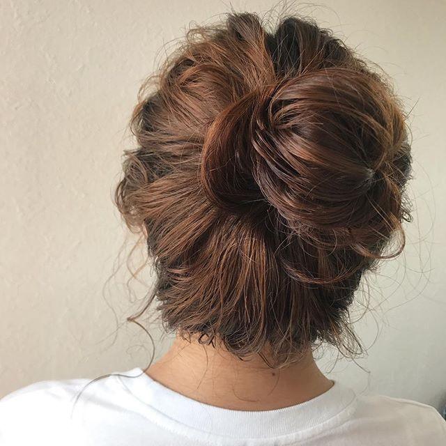 パーマをかけてスタイリングはN.で♡濡れ感がでて、くしゃっとお団子してもかわいいです♡担当シオリ@shiori_tomii #abond#shiori_hair #perm#hairarrange #高崎