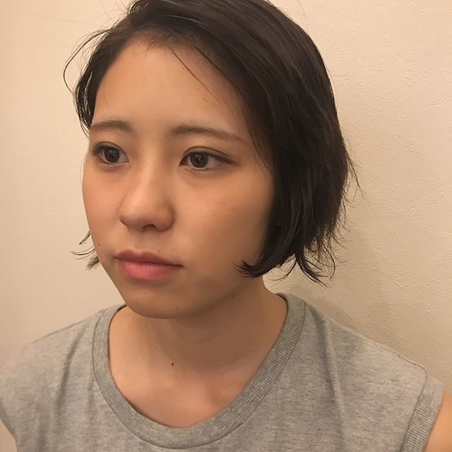 担当SHIORI @shiori_tomii permでつくる無造作hair#abond#shiori_hair #perm