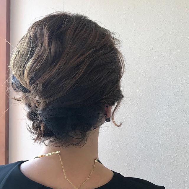 担当シオリ @shiori_tomii 襟足ギリギリのボブも髪質によってはしっかりアップヘアにできます♡#abond #shiori_hair #hairarrange #ヘアアレンジ