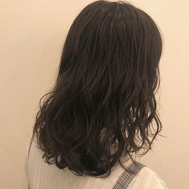 担当シオリ  @shiori_tomii 巻いたような質感のパーマ#abond #shiori_hair #perm#高崎美容室