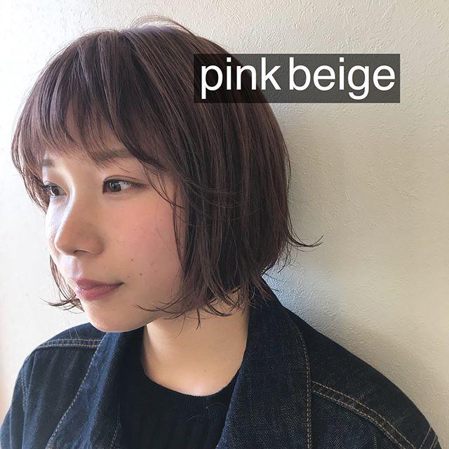 担当シオリ @shiori_tomii バッサリきってケアブリーチしてpink beigeに♡柔らかい色味でかわいすぎます♡#abond #shiori_hair #pinkbeige#ピンクベージュ#高崎美容室