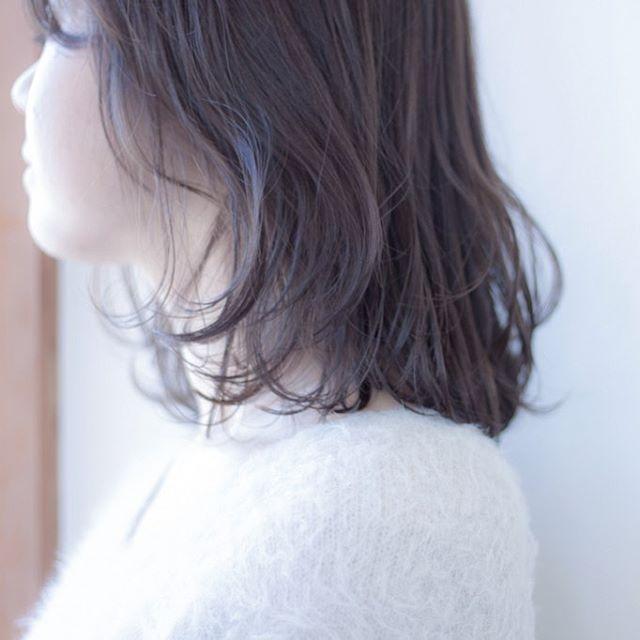担当シオリ @shiori_tomii くすみすぎてない系ベージュカラーに!柔らかいカラーにしたい方はぜひお任せ下さい!#abond #shiori_hair #ベージュ#haircolor #高崎美容室