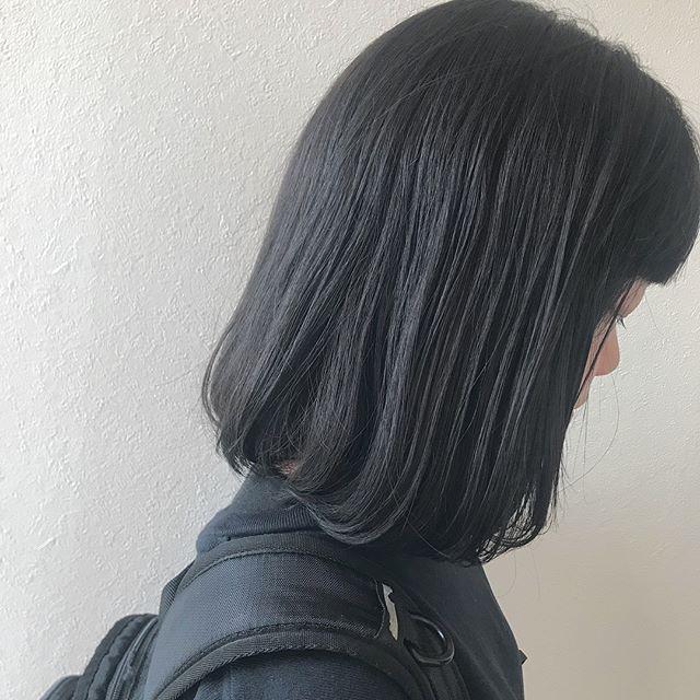 担当シオリ @shiori_tomii 色落ちが気になる方にはそれを考慮してカラーをつくらせていただいています♡透明感のある地毛風カラーを♡#abond #shiori_hair #地毛風カラー#グレージュ#高崎美容室