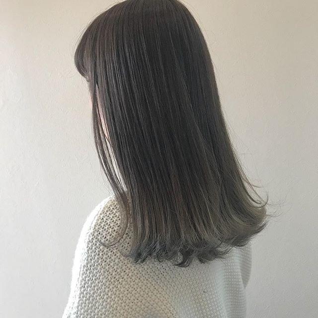 担当シオリ @shiori_tomii ベージュのグラデーション毛先はブリーチしてます!#abond #shiori_hair #ベージュ#透明感カラー#高崎美容室