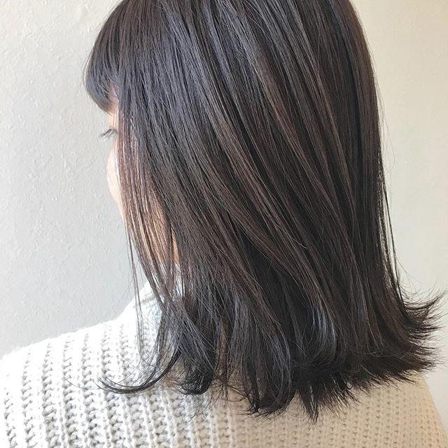 担当シオリ @shiori_tomii ラベンダーグレーが人気ですラベンダーはベースの色味が重要なのでぜひご相談ください!#abond #shiori_hair #ラベンダーグレー#グレージュ#高崎美容室