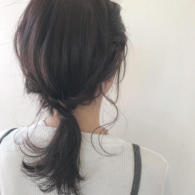 担当シオリ @shiori_tomii 柔らかいピンクアッシュ🕊前回いれたもみあげハイライトがいきてます明日はお休みです!明後日からご予約お待ちしております♡#abond #shiori_hair #高崎美容室#ヘアアレンジ#hairarrange
