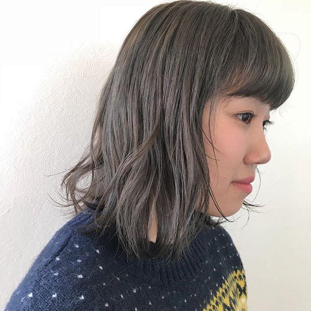 担当シオリ @shiori_tomii 初ブリーチはケアブリーチでダメージレスにオリーブグレージュにしました!透明感抜群カラー#abond #shiori_hair #オリーブグレージュ#グレージュ#オリーブベージュ #高崎美容室