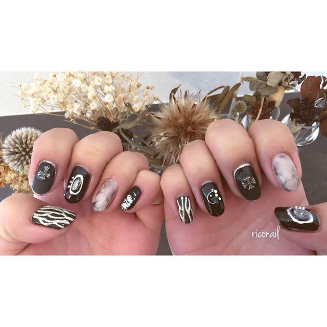 ネイルとカラーを同時施術🏻🏼♀️#riconail #abond #nail #nails #gelnail #gelnails #nailart #instanails #nailstagram #beauty #fashion #nuancenail #black #ネイル #ジェルネイル #ネイルデザイン #ニュアンスネイル #マットネイル @riconail123