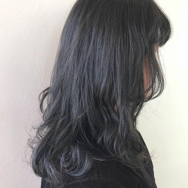 担当シオリ @shiori_tomii 加工なしのグレージュカラー🐋完全に透明感です!!透明感欲しい方ぜひぜひおまかせください!#abond #shiori_hair #グレージュ#透明感カラー#高崎美容室