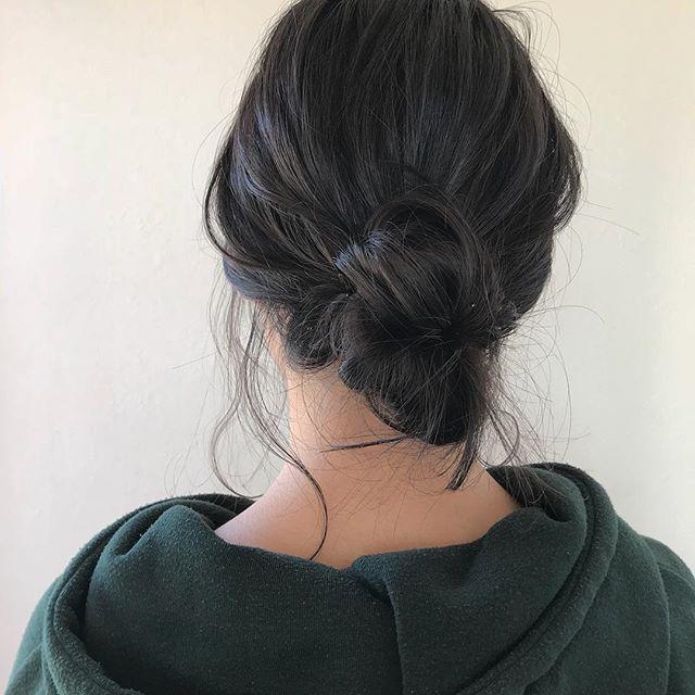 担当シオリ @shiori_tomii ご希望の方には簡単アレンジも教えています気軽に仰ってくださいね!#abond #shiori_hair #hairarrange #ヘアセット#ヘアアレンジ#高崎美容室