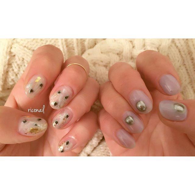 アシンメトリーネイル︎***只今abondでは 成人式ネイルやオーダーチップのご予約も承っております。お気軽にお問い合わせください︎#riconail #abond #nail #nails #gelnail #gelnails #nailart #instanails #nailstagram #beauty #fashion #nuancenail #clear #lavender #metallic #ネイル #ジェルネイル #ネイルデザイン #ニュアンスネイル #ショートネイル @riconail123