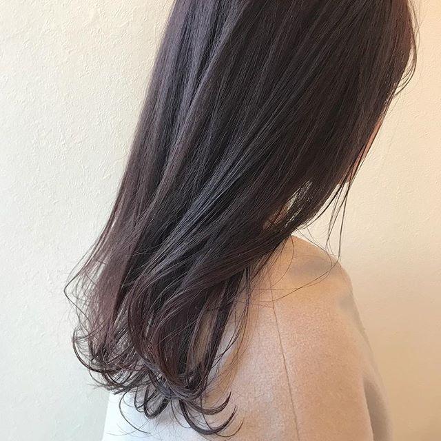担当シオリ @shiori_tomii ほんのりpinkがかったブラウンカラー#abond #shiori_hair #ピンクブラウン#高崎美容室