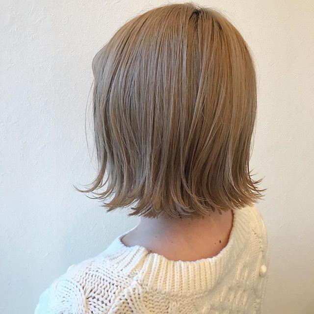 担当シオリ @shiori_tomii 切りっぱなしの重ためBOB#abond #shiori_hair #ブロンド#bob#高崎美容室