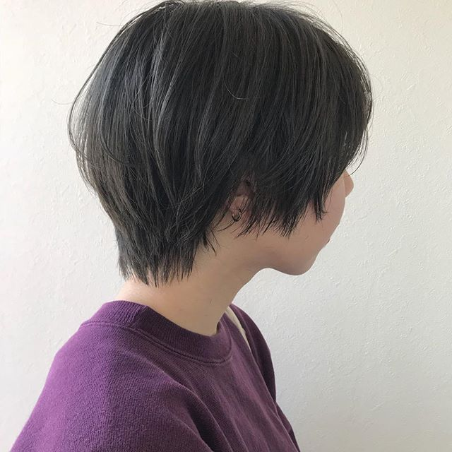 担当シオリ @shiori_tomii ブリーチして透明感たっぷりな暗めなグレージュを🐋#abond #shiori_hair #グレージュ#高崎美容室