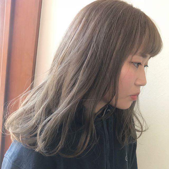 担当シオリ @shiori_tomii ケアブリーチしてブロンドベージュ🦄#abond #shiori_hair #ブロンドカラー#ベージュ#高崎美容室