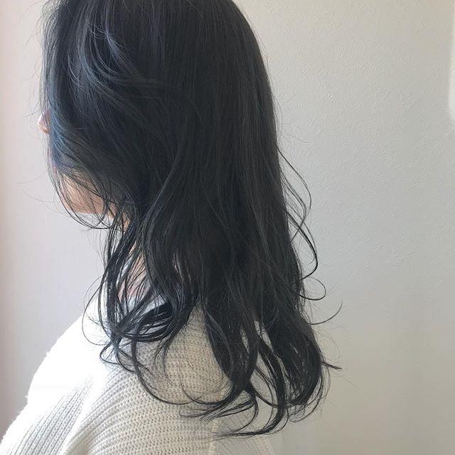 担当シオリ @shiori_tomii 大人気のグレージュカラー#abond #shiori_hair #くすみカラー #グレージュ#高崎美容室