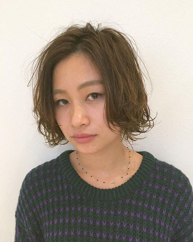 stylist:塚越BOB+Perm毛先ワンカールを外巻き、内巻きランダムに︎#abond#高崎#美容室#パーマ#外ハネ