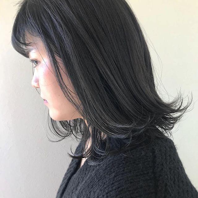 担当シオリ @shiori_tomii くすみグレージュでオレンジみ0カラー🦕#abond #shiori_hair #くすみカラー#グレージュ#高崎美容室