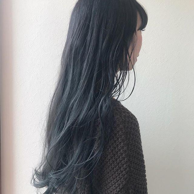 担当シオリ @shiori_tomii 最大限にくすませたブルーアッシュカラー#abond #shiori_hair #ブルーアッシュ#ブルージュ#高崎美容室