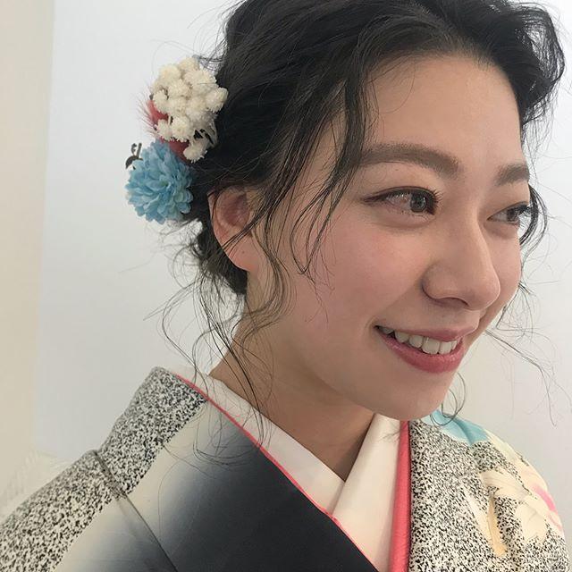 担当シオリ @shiori_tomii 大切なお客様の大切な時に携われてシアワセですおめでとう!!make set : SHIORI#abond #shiori_hair #ヘアセット#ヘアアレンジ#成人式ヘア #高崎美容室