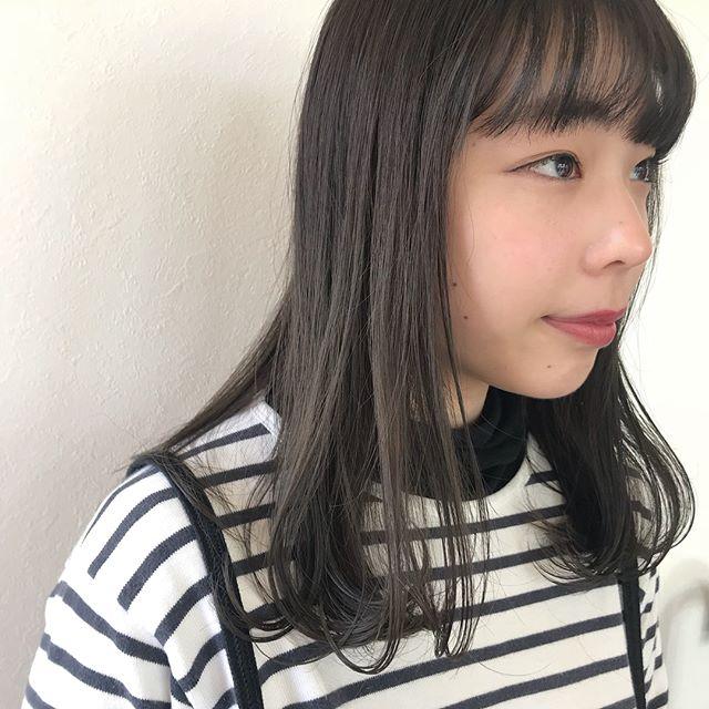 担当シオリ @shiori_tomii くすみすぎてないアッシュベージュにしました🦔🦔透明感抜群です♡#abond #shiori_hair #アッシュベージュ#高崎美容室