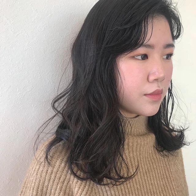 担当シオリ  @shiori_tomii 高校生のお客様🦔高校生カットは¥3500+taxです!巻き方までしっかりお教えします!#abond #shiori_hair #高校生カット#高崎美容室
