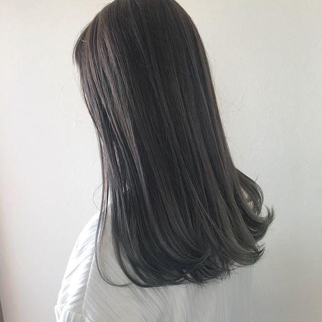 担当シオリ @shiori_tomii 毛先のブリーチ部分をいかして柔らかいアッシュベージュにしました♡#abond #shiori_hair #アッシュベージュ#高崎美容室