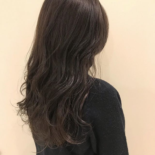 担当シオリ @shiori_tomii グレージュカラー#abond #shiori_hair #グレージュ#高崎美容室