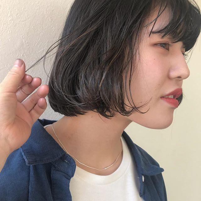暗いカラーに飽きたらハイライトがおすすめです外国人のようなさりげなさが最高にかわいいんです🌨🌨#abond #shiori_hair #ハイライト#高崎美容室